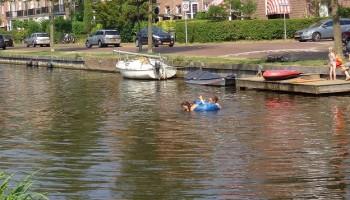 Zwemmen in de Leidsevaart?